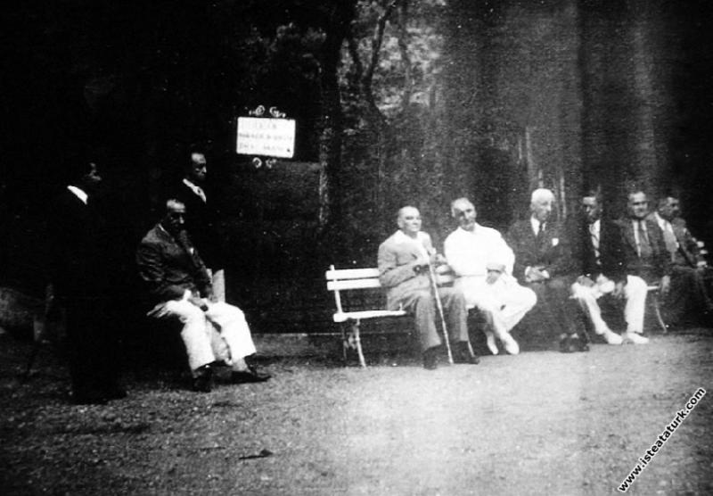 Mustafa Kemal Atatürk Yalova Termal'de. (23.08.193...
