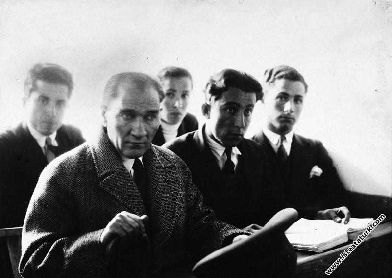 Mustafa Kemal Atatürk Samsun Lisesi'nde öğrenciler...