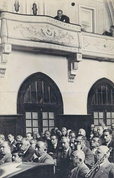Mustafa Kemal Atatürk Meclisin olağanüstü toplantı...