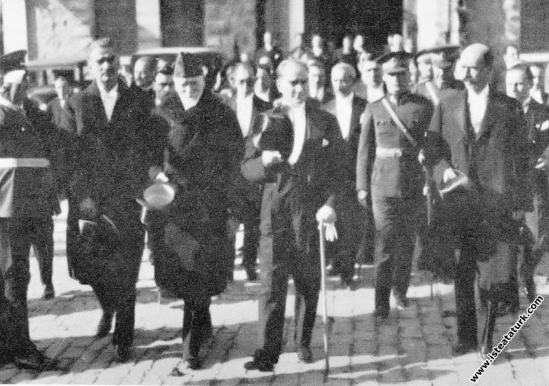 Mustafa Kemal Atatürk Macaristan Başbakanı Kont Be...