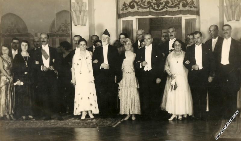 Mustafa Kemal Atatürk Cumhuriyet Bayramı Balosu'nd...