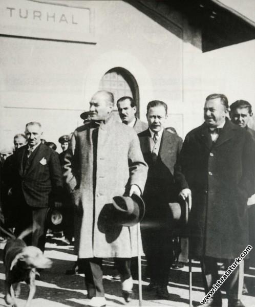 Mustafa Kemal Atatürk Şükrü Kaya, Ruşen Eşref Ünay...