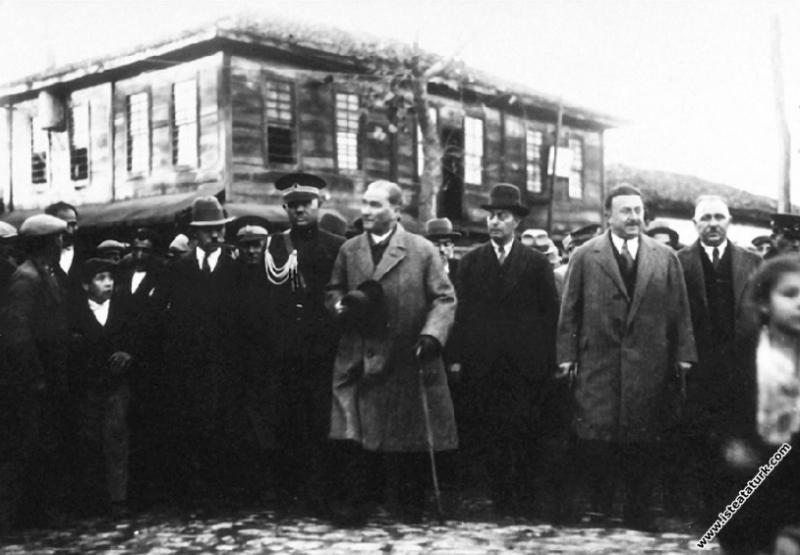 Mustafa Kemal Atatürk Samsun Çarşamba'da, İçişleri...