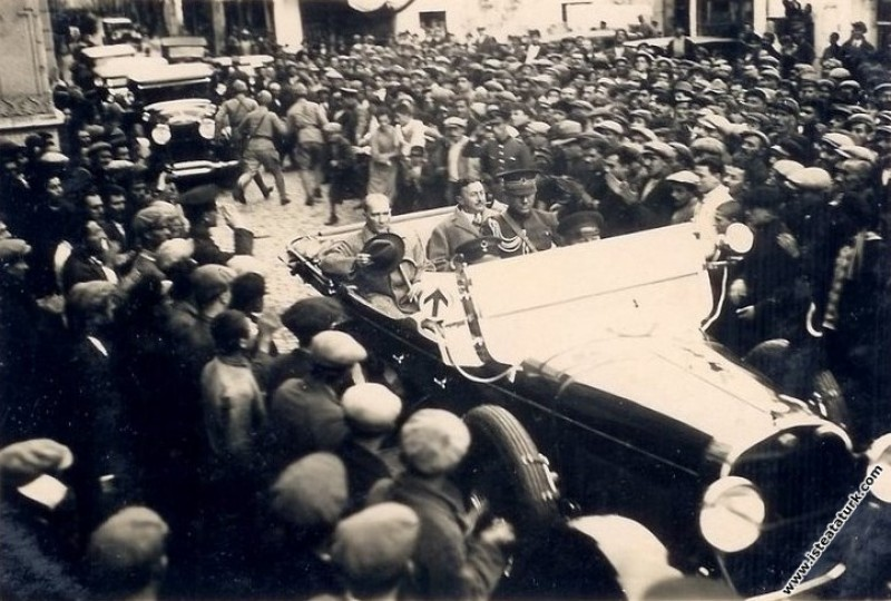 Mustafa Kemal Atatürk'ün Samsun'da İçişleri Bakanı...