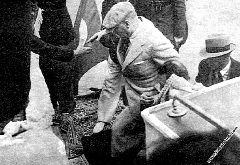 Mustafa Kemal Atatürk'ün Ege Vapuru ile Trabzon'a ...