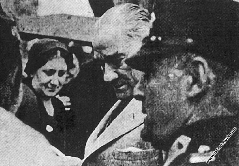 Mustafa Kemal Atatürk'ün Trabzon'a gelişinde tören...