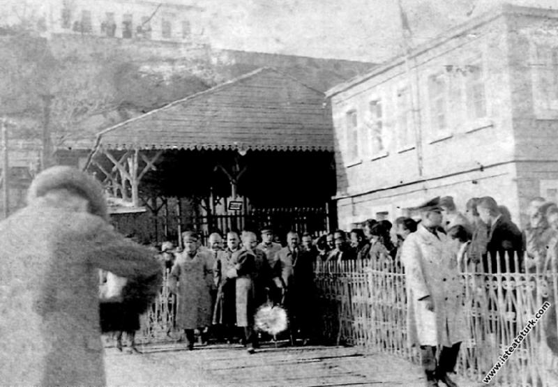 Mustafa Kemal Atatürk Trabzon'da. (28.11.1930)...