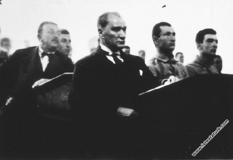 Mustafa Kemal Atatürk İstanbul Harp Okulu'nda bir ...