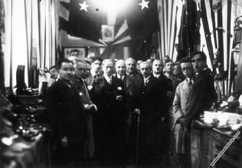 Mustafa Kemal Atatürk'ün Askeri Müze ziyareti, İst...