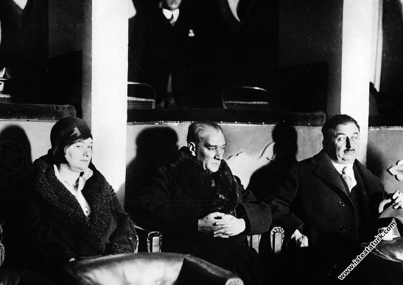 Mustafa Kemal Atatürk İstanbul Elhamra Sineması'nd...