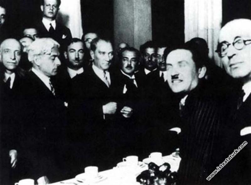 Mustafa Kemal Atatürk İstanbul Üniversitesi'ni ziy...