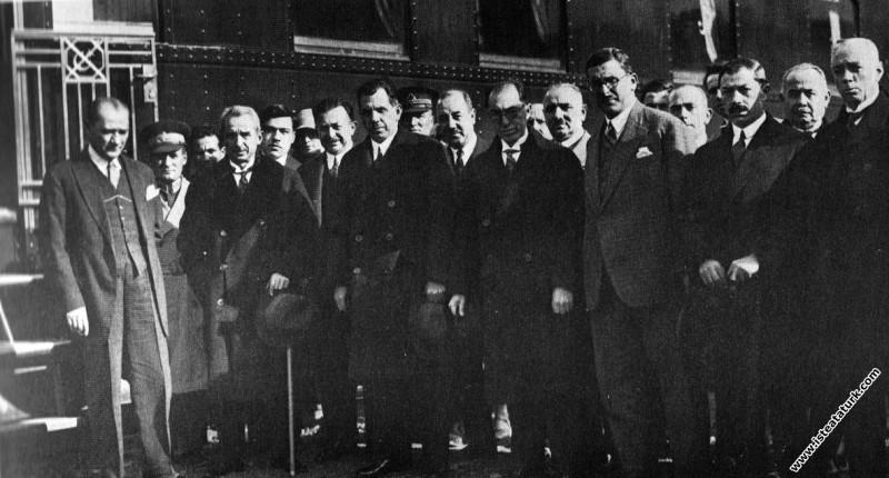 Mustafa Kemal Atatürk'ün Ankara Etimesgut'ta karşı...