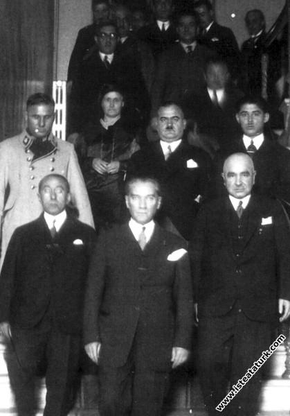 Mustafa Kemal Atatürk İstanbul CHP İl Binası'ndan ...
