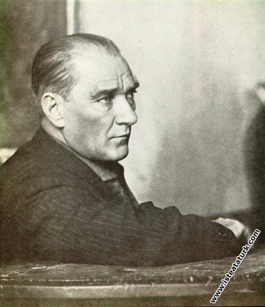 Mustafa Kemal Atatürk Edirne'de Öğretmen Okulu'nda...
