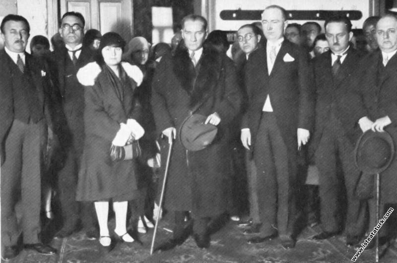 Mustafa Kemal Atatürk manevi kızı Nebile'nin nikah...