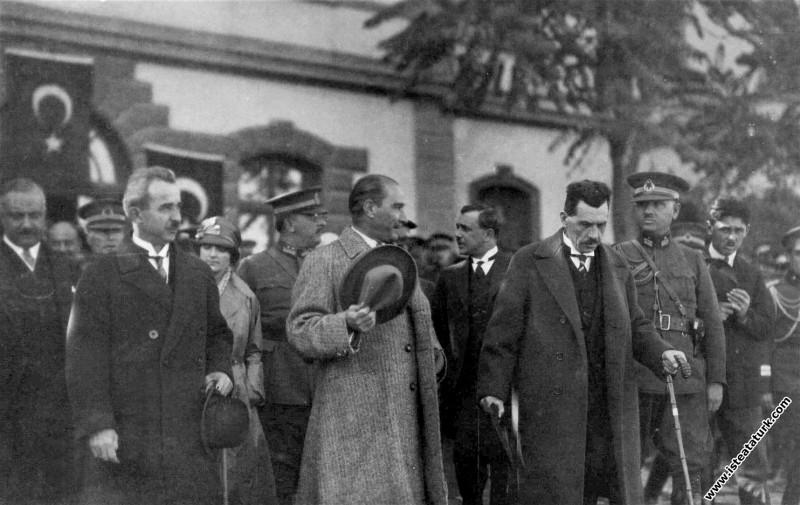Mustafa Kemal Atatürk Ankara'da. (16.03.1929)...
