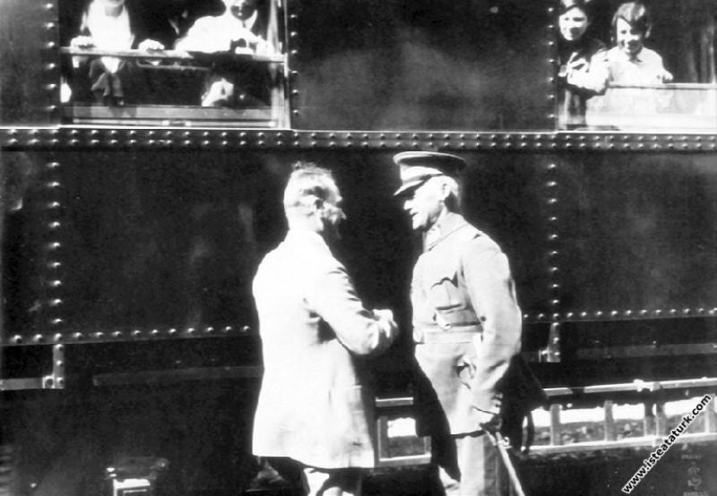 Mustafa Kemal Atatürk'ün İstanbul Tuzla İstasyonu'...