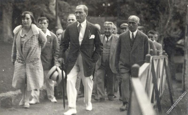 Mustafa Kemal Atatürk Yalova'da. (14.09.1929)...