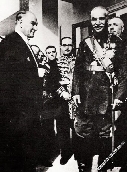 Mustafa Kemal Atatürk Çankaya Köşkü'nde İran Şahı ...