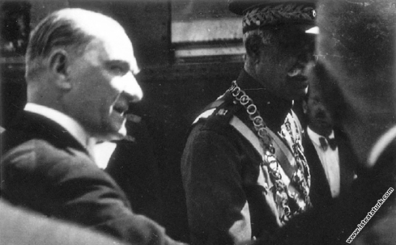 Mustafa Kemal Atatürk İran Şahı Pehlevi ile birlikte, Ankara. (16.06.1934)