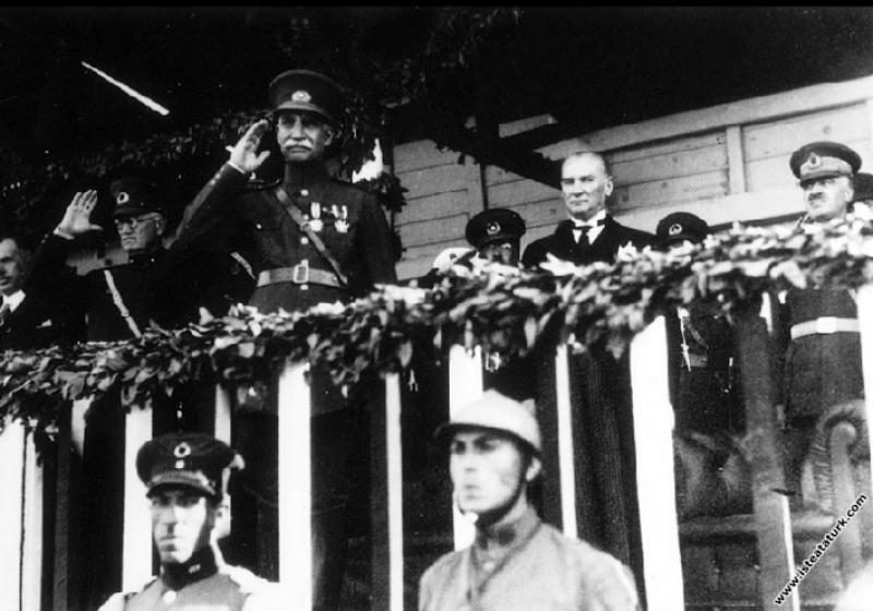 Mustafa Kemal Atatürk İran Şahı Rıza Pehlevi'nin T...