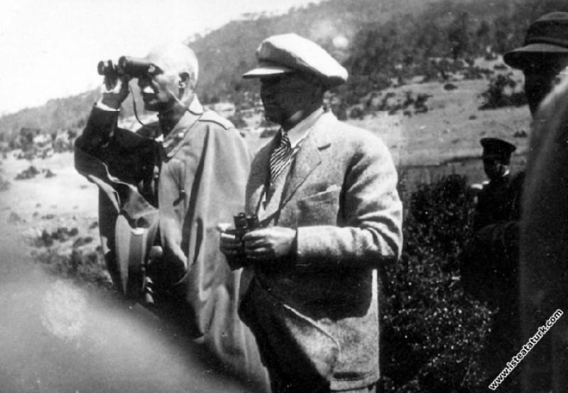 Mustafa Kemal Atatürk ve İran Şahı Rıza Şah Pehlev...