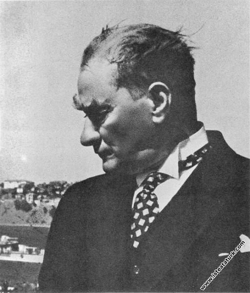 Mustafa Kemal Atatürk Gülcemal Vapuru'nda, İstanbu...