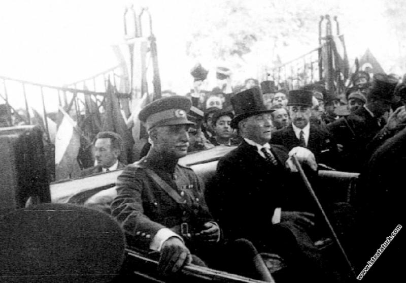 Mustafa Kemal Atatürk İran Şah'ı Pehlevi ile  birl...