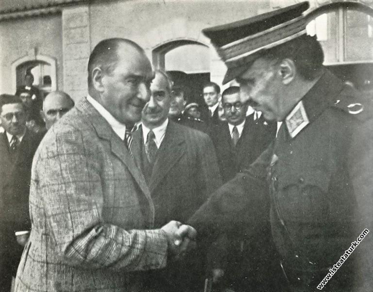 Mustafa Kemal Atatürk Ankara İstasyonu'nda Mareşal...