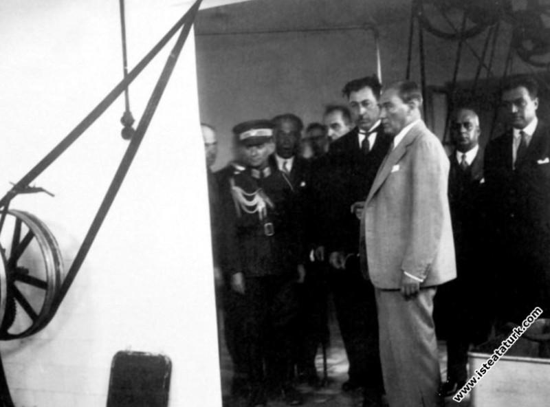 Mustafa Kemal Atatürk Bursa'da Hacı Sabri Bey'in T...