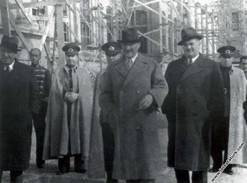 Mustafa Kemal Atatürk Kılıç Ali ve Cevat Abbas Gür...