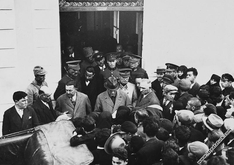 Mustafa Kemal Atatürk İstanbulda. (07.03.1936)...