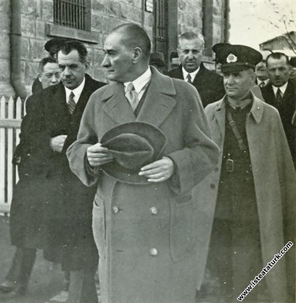Mustafa Kemal Atatürk İstanbul dönüşü Ankara İstas...