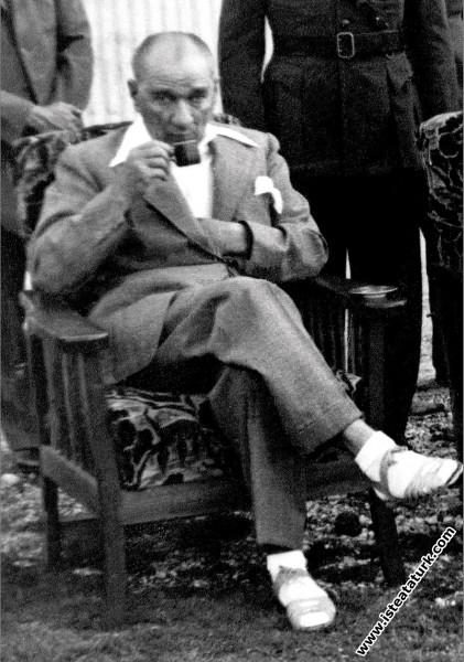Mustafa Kemal Atatürk Florya'da, İstanbul. (28.06....