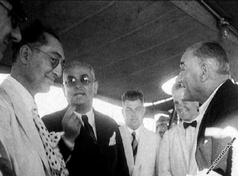 Mustafa Kemal Atatürk Ege Vapuru'nda, İstanbul. (0...