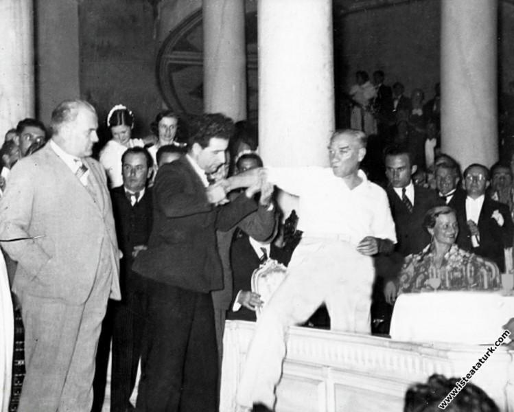 Mustafa Kemal Atatürk Beylerbeyi Sarayı'nda düzenl...
