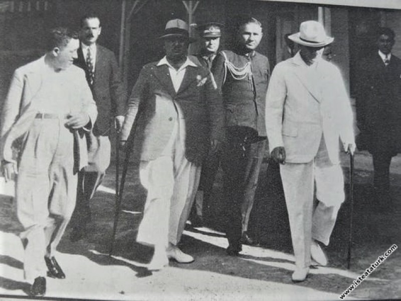 Mustafa Kemal Atatürk İstanbul'da. (15.09.1936)...