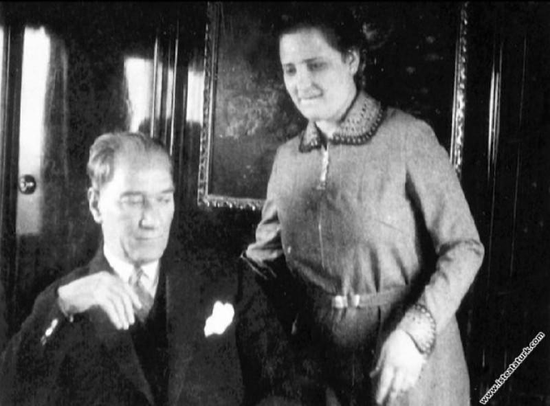 Mustafa Kemal Atatürk manevi kızlarından Prof. Afe...