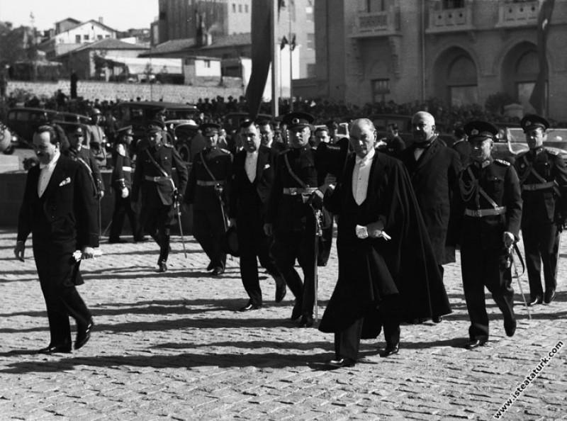 Mustafa Kemal Atatürk'ün Cumhuriyet Bayramı tebrik...