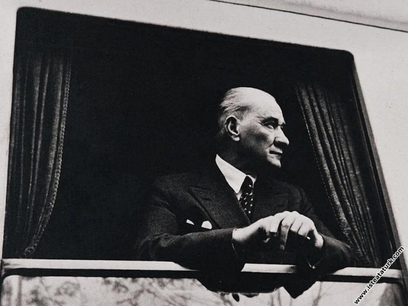 Mustafa Kemal Atatürk Eskişehir'den Konya'ya gider...