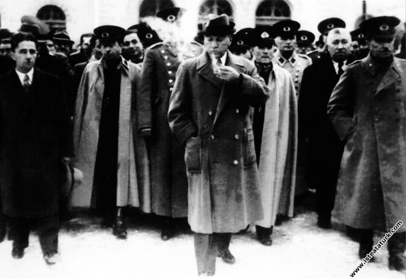 Mustafa Kemal Atatürk'ün Ankara'dan İstanbul'a har...