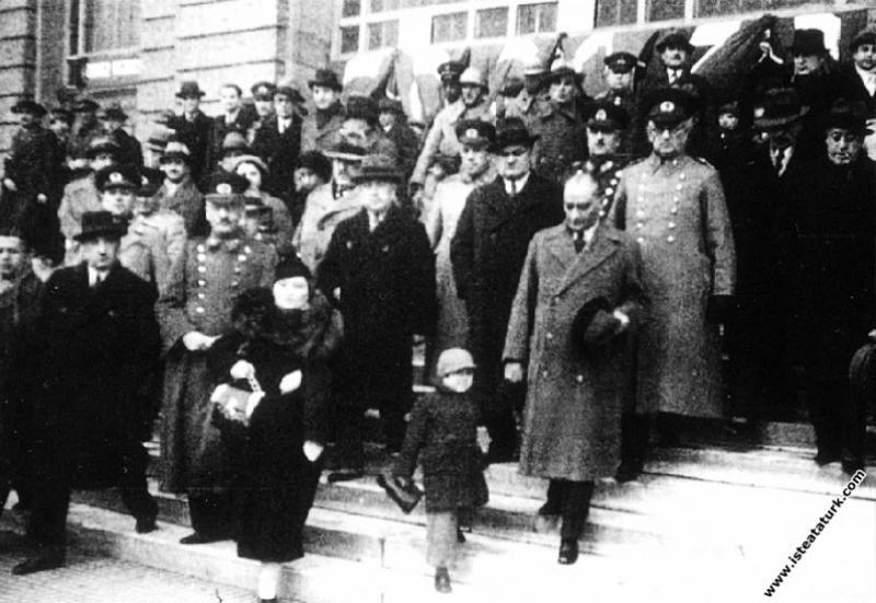 Mustafa Kemal Atatürk'ün Ankara'dan İstanbul'a gel...