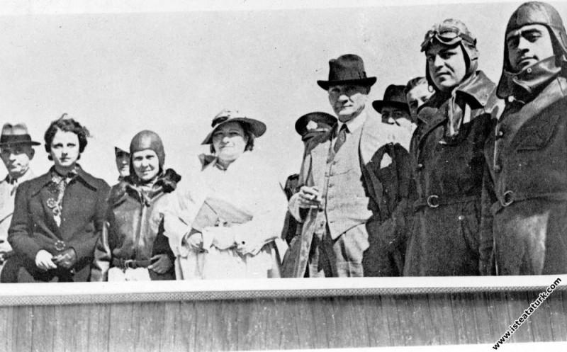 Mustafa Kemal Atatürk Dersim harekatına katılan pi...