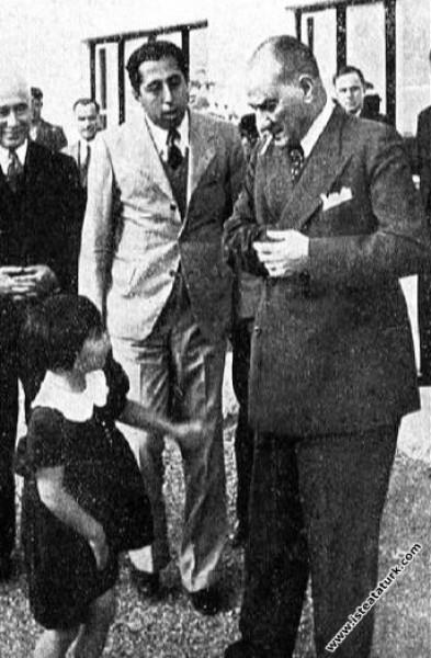 Mustafa Kemal Atatürk Dersim Harekatı'ndan dönen p...