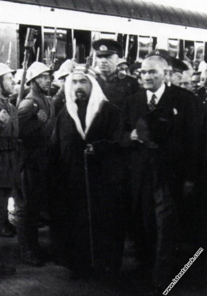 Mustafa Kemal Atatürk Ürdün Kralı Abdullah'la birl...
