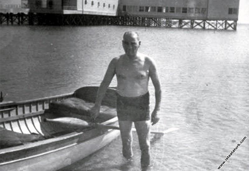 Mustafa Kemal Atatürk Florya Deniz Köşkü'nün plajı...
