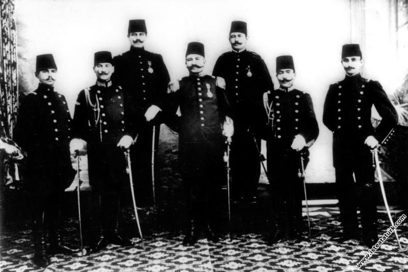 Mustafa Kemal'e Kolağası (Yüzbaşı) rütbesi verildiği gün. (20.06.1907)