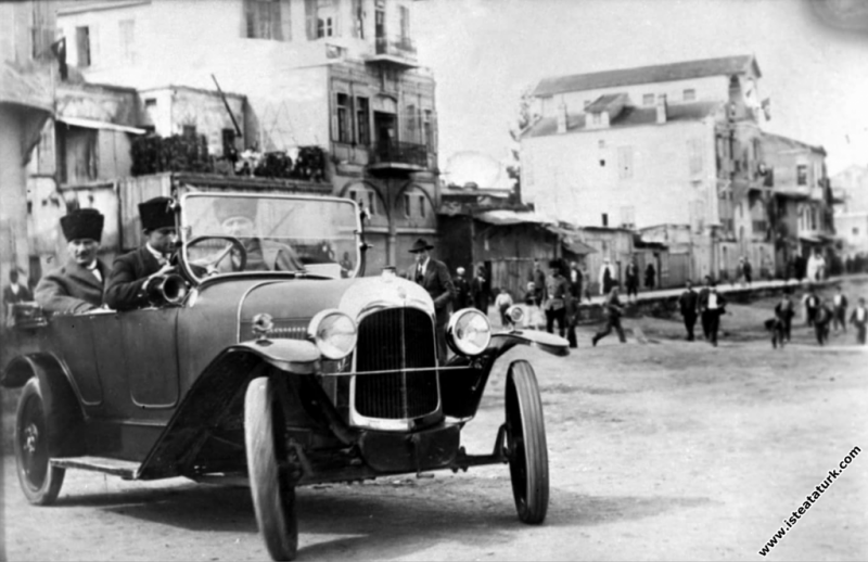 Ankara'ya gelişinde. (27.12.1919)