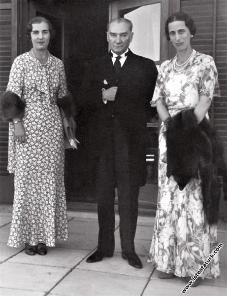 Mustafa Kemal Atatürk İsveç Kraliçesi Louise Mount...