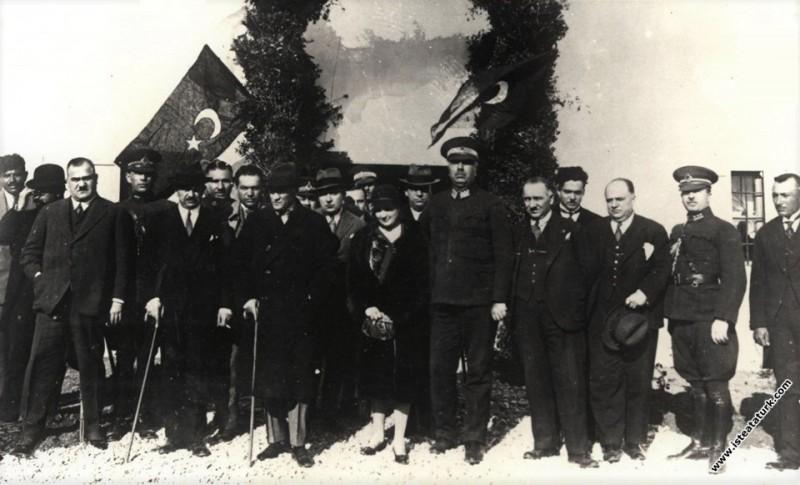 Mustafa Kemal Atatürk'ün Edremit ziyaretinden bir ...